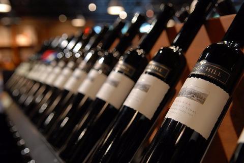 Contrefaçon dans le vin : comment s'en prémunir ?